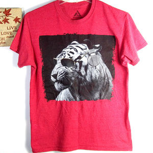 Used, Audio Council M Rockin Tiger Graphic Tee Red for sale